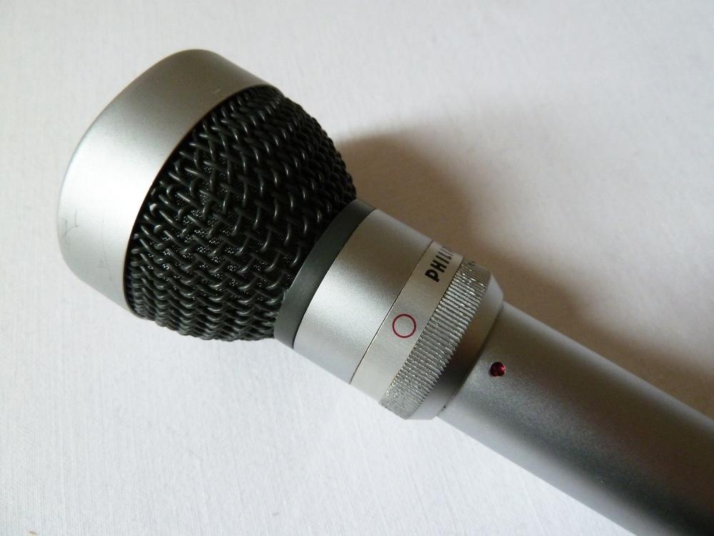 Philips EL6033/10 Dual pattern (Omni-Cardioid) Dynamic Microphone (circa 1966) (2/4)