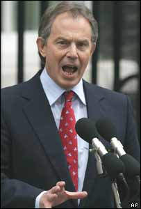 Tony Blair AKG D224