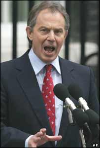 Tony Blair AKG D224