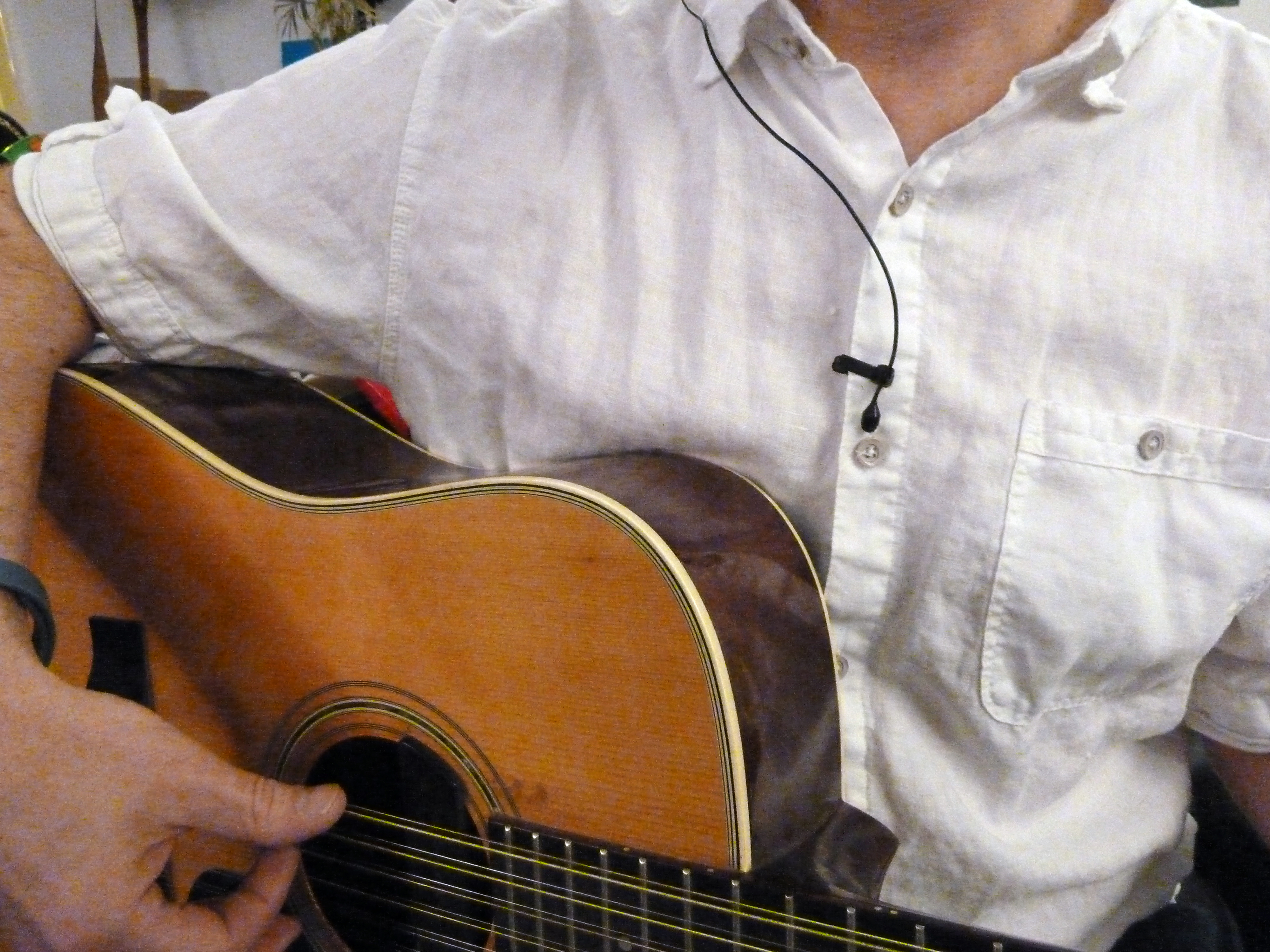 Lavalier Micing Acoustic Guitar