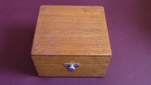 Gaumont-Kalee Type 492 Box