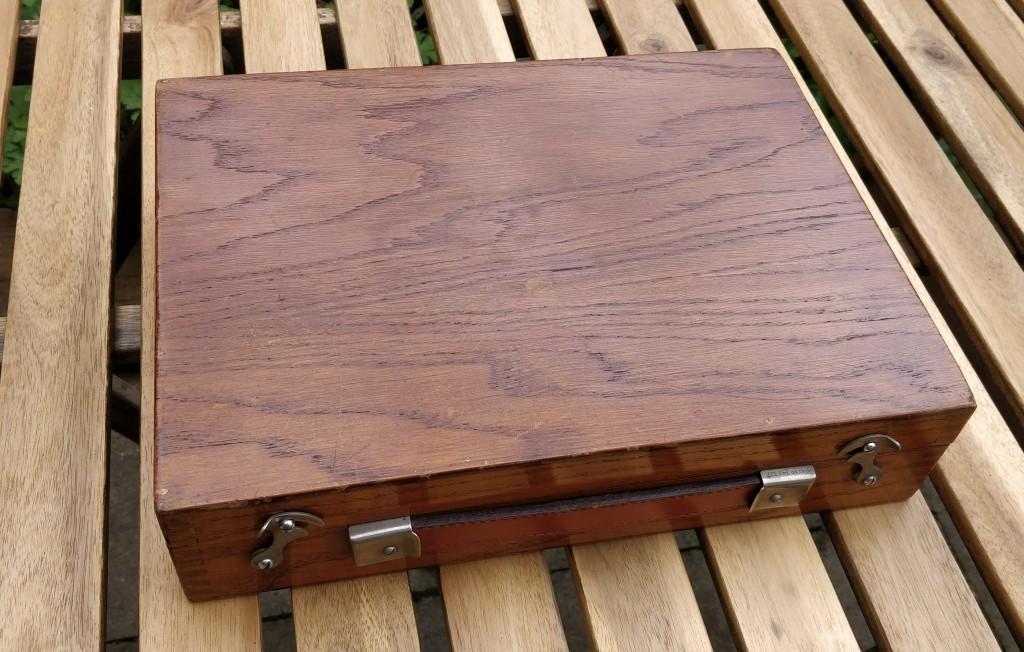 Capac BIN-AURAL oak case