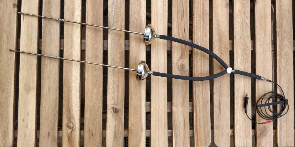 Capac BIN-AURAL with Sennheiser MKE2. Insert into tubing.
